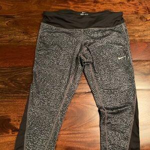 NWT! Nike Dry-Fit Leggings Size L